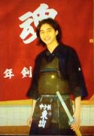 社会人になってからも時間がある時は道場に通い 子供たちに剣道の指導もしていたそうですよ。